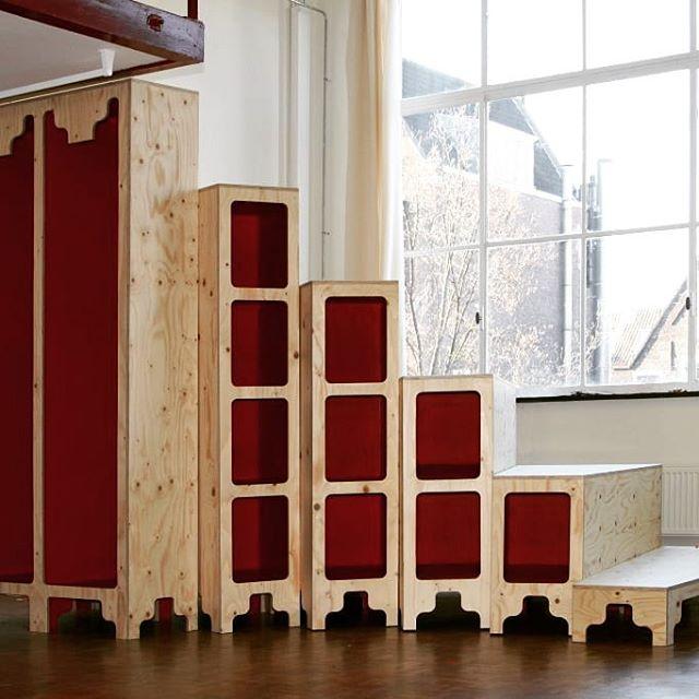 Uit de digitale herinneringen de #tribune #trap #opslag #garderobe #kast in samenwerking met ontwerper  @jenskedijkhuis #houkmaakthet #houtbewerking #woodworking #amsterdam #ndsm #makerspace